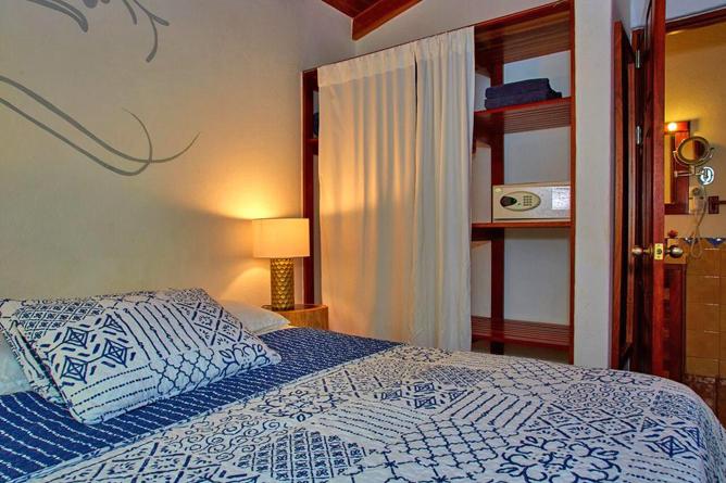 Living Nosara Standard Zimmer Interior