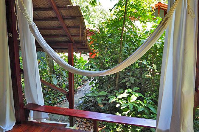 Namuwoki Bungalow Balkon mit Hängematte