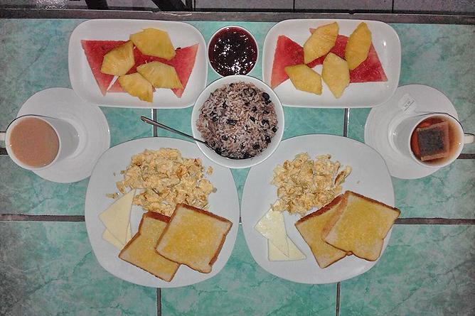 Posada Rio Celeste Frühstück