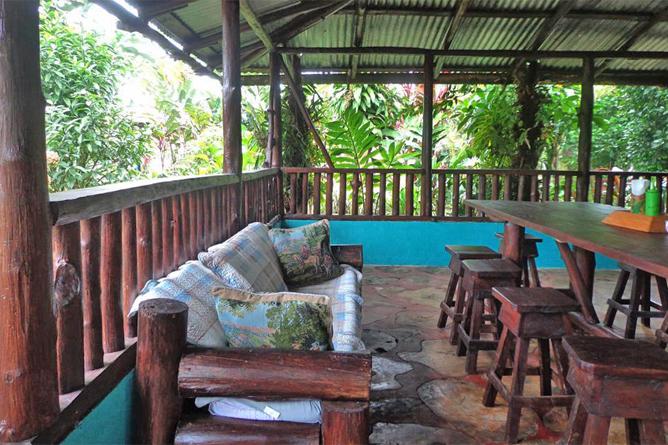 Posada Rio Celeste Restaurant und Lobby