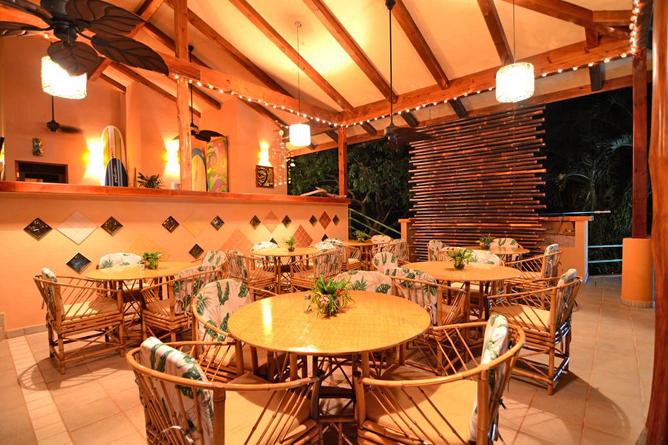 Villas Alturas Tierra Verde Bistro