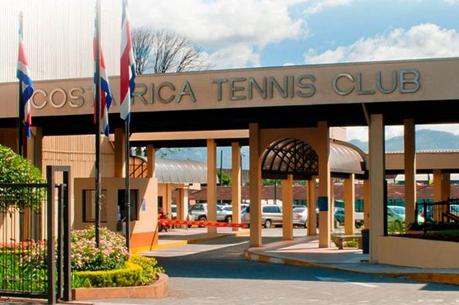 Costa Rica Tennis Club Einfahrt