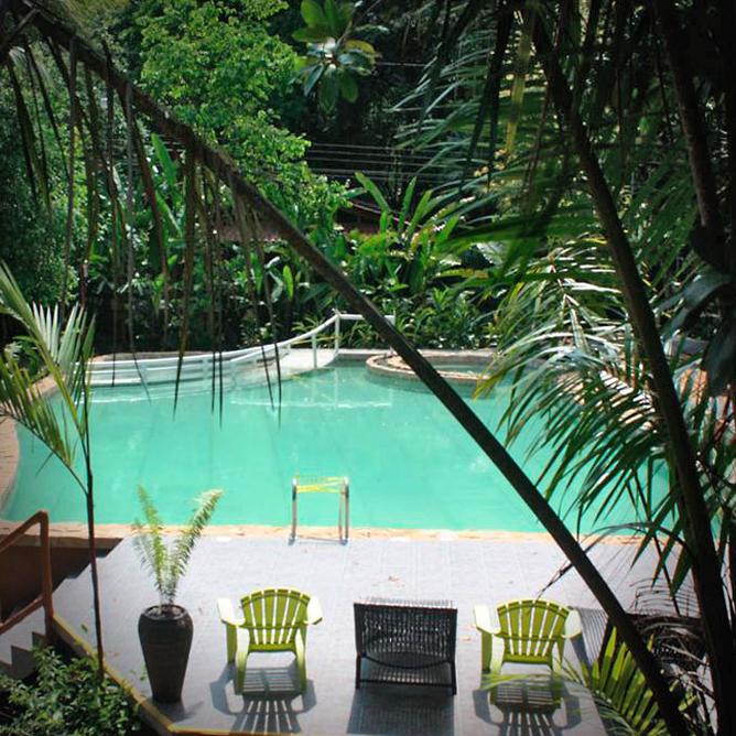 Rana Roja Pool und Garten