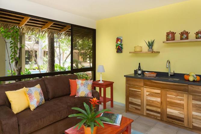 Olas Verdes Apartment