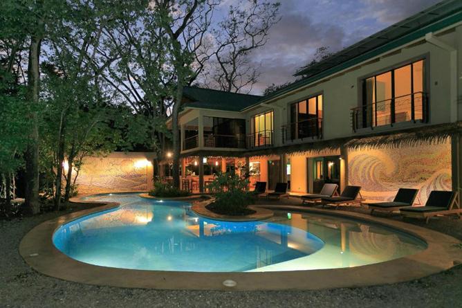 Olas Verdes Haupthaus mit Pool