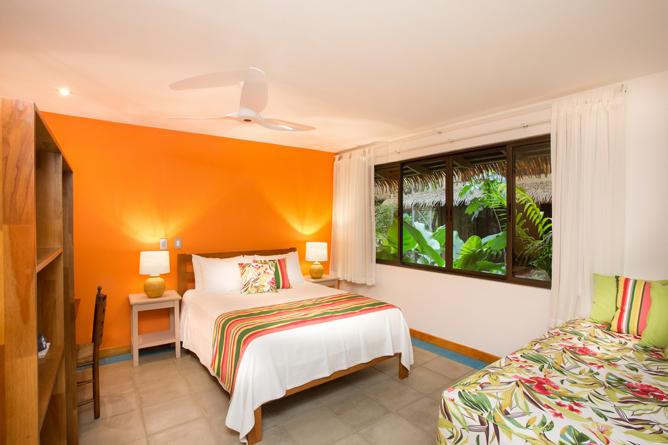 Olas Verdes Luxury Suite Queen Bett