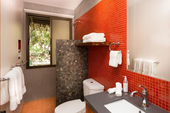 Olas Verdes Suite Badezimmer