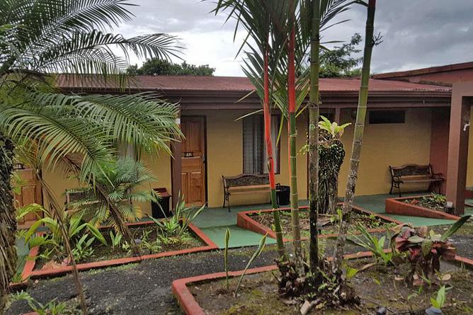 Destinos Arenal Standard-Zimmer Gebäude mit Garten – Arenal Rossi