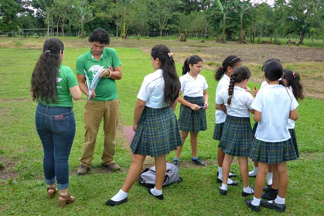 Sonati_ Aktivitäten Schule mit Luis Guilermo