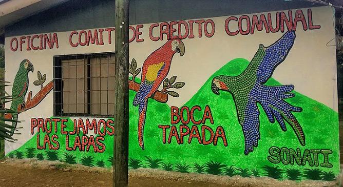 Sonati Recycling-Fassade Gemeindehaus in Boca Tapada