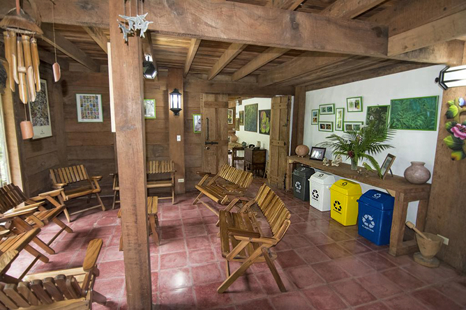 Bosque de Paz – Lobby und Recycling