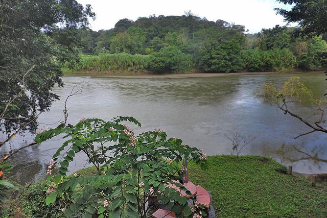 Cuyito am Fluss San Carlos
