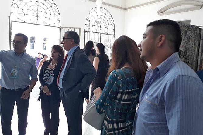 Heidy Jaen Porras Ausstellung Besucher