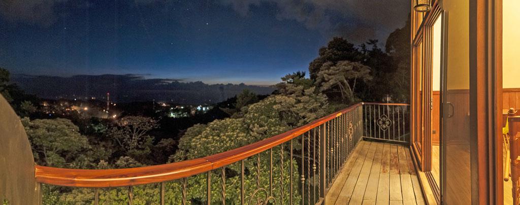 Aguti Hotel – Aussicht bei Nacht
