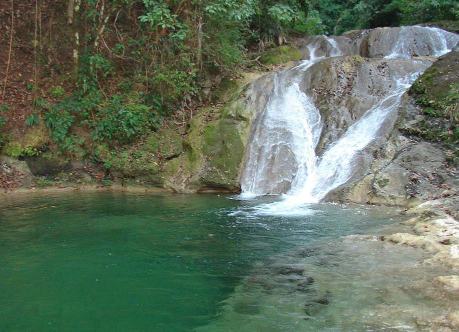 Karen Mogensen Reservat – Wasserfall (Posada Cerro Escondido Lodge)