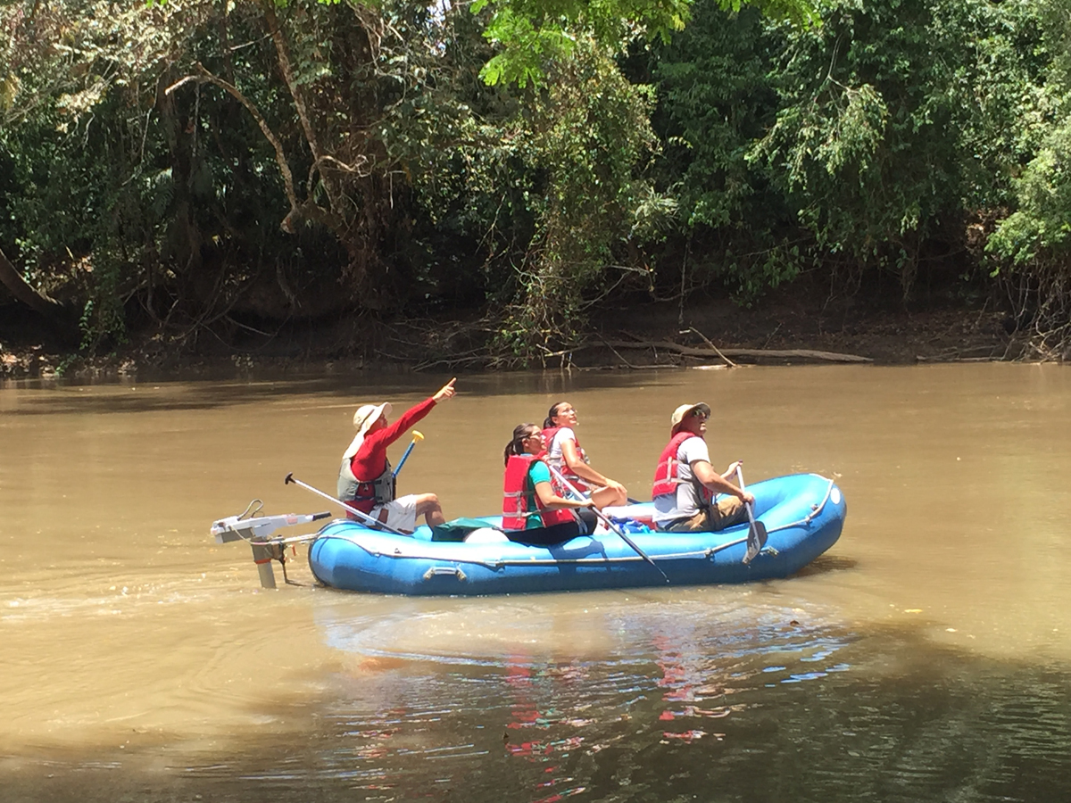arenal-guide-piere-canoe-river-tour
